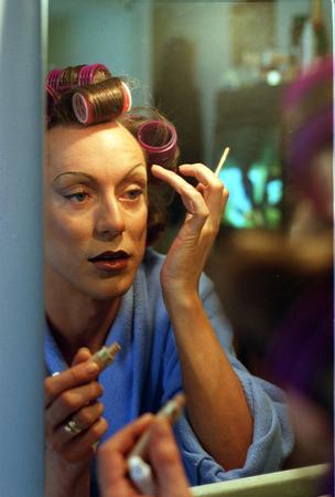 graham-makeup-concealer